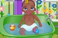 Baby Jamal fa il bagno